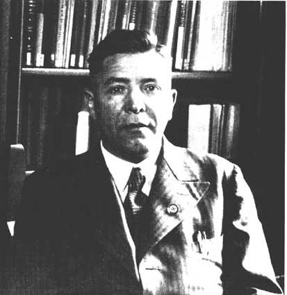 Dr. Carl Schneider