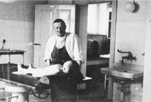 Dr. Julius Hallevorden